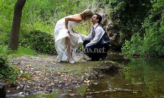 Enamorados en el río