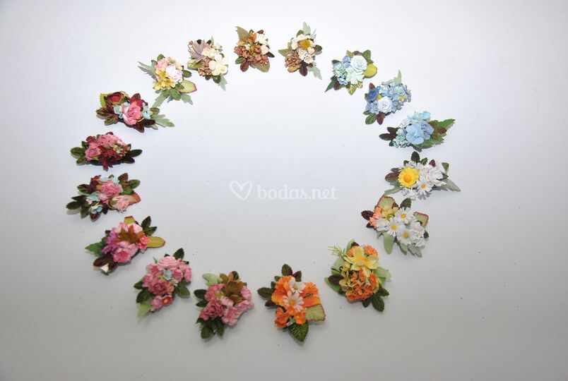 Broches de flores