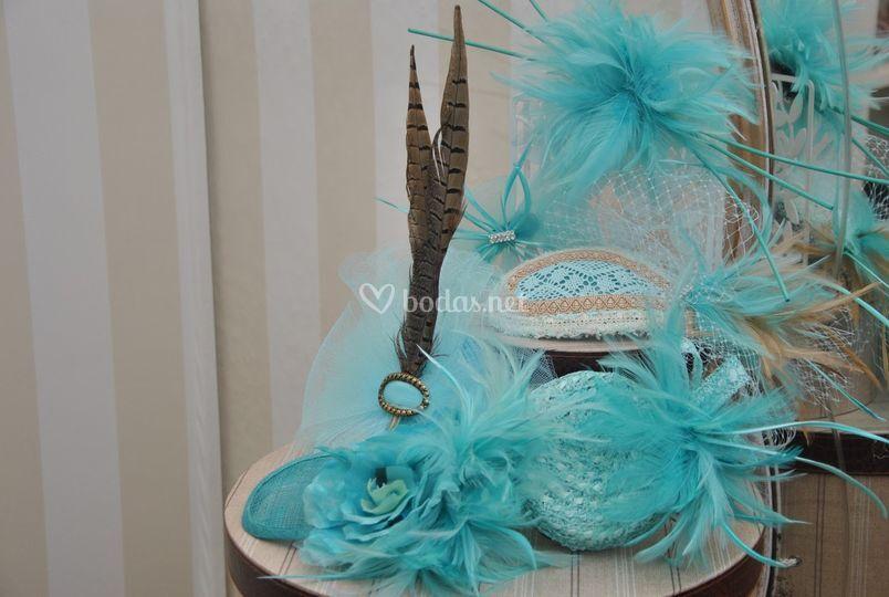 Azules y con plumas