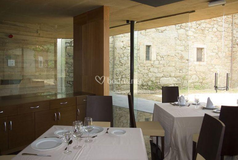 Sala comedor con vistas al exterior
