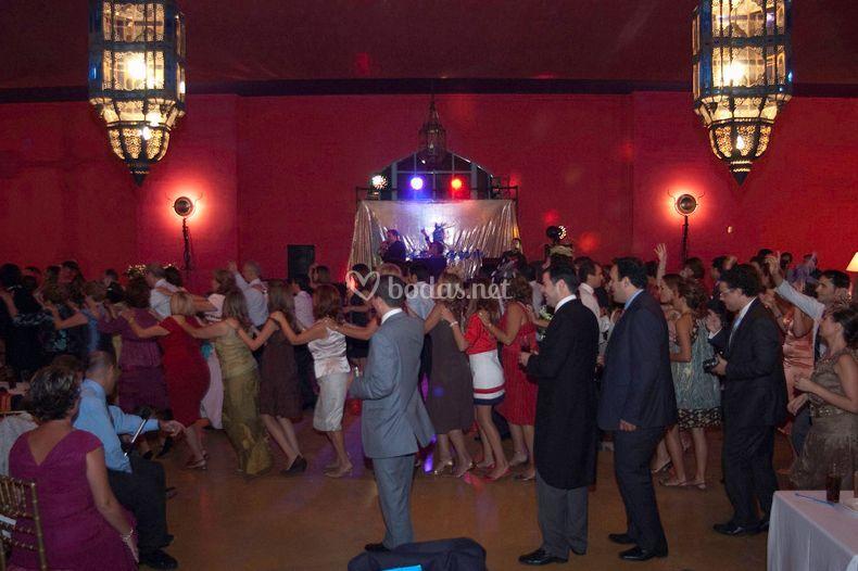 Todos a bailar y disfrutar