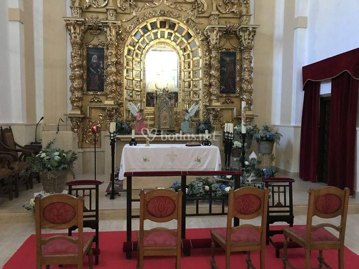 Altar de cestos con hortensia