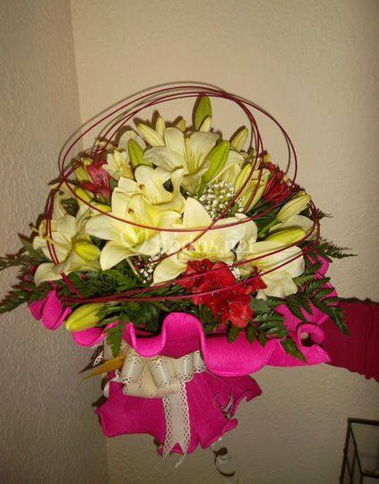 Estructurada composición floral