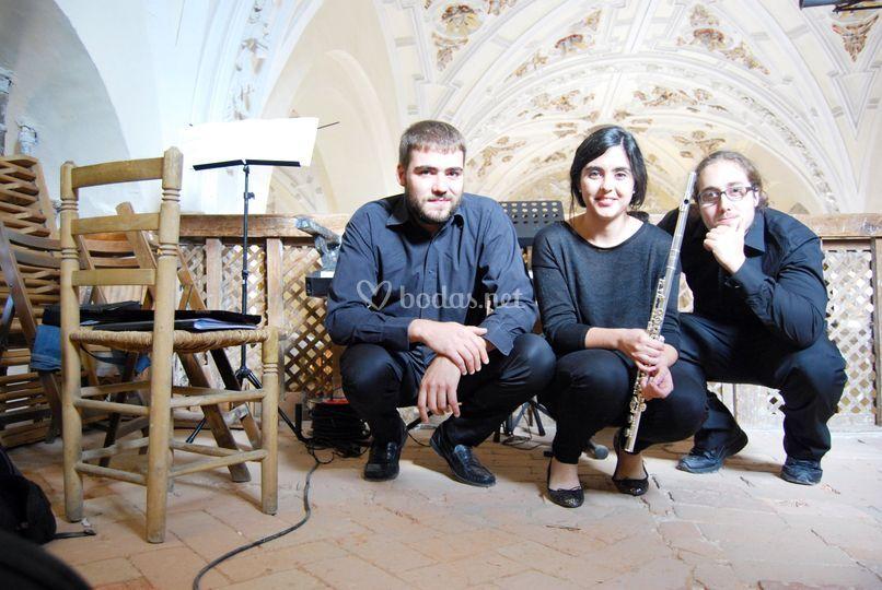A-Trío/Quartet