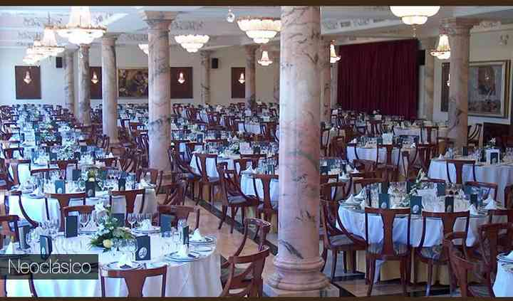 Salón neoclásico para banquetes