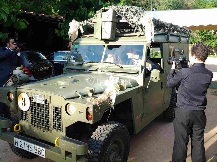 Lan Rover militar