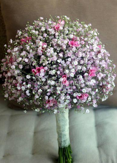Ramo de paniculata rosa