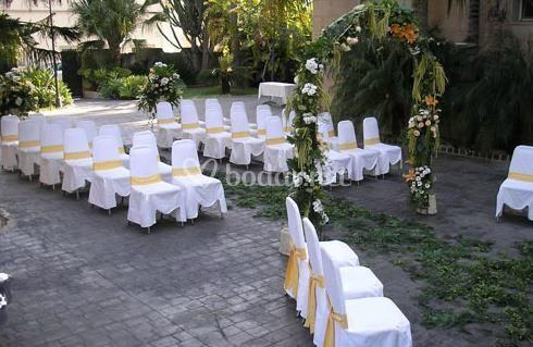 Boda civil en Jardín de Riola
