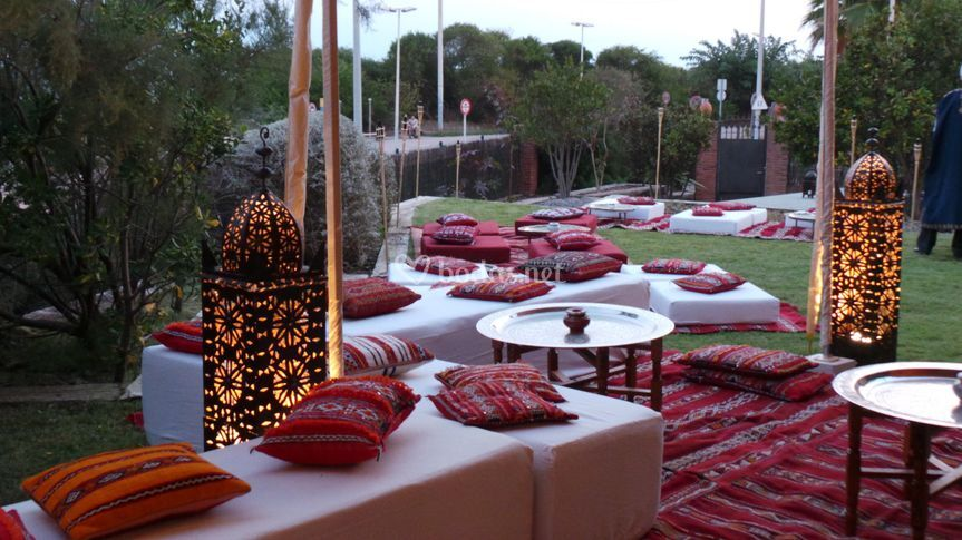 Mabrouka eventos for Decoracion jardin chill out
