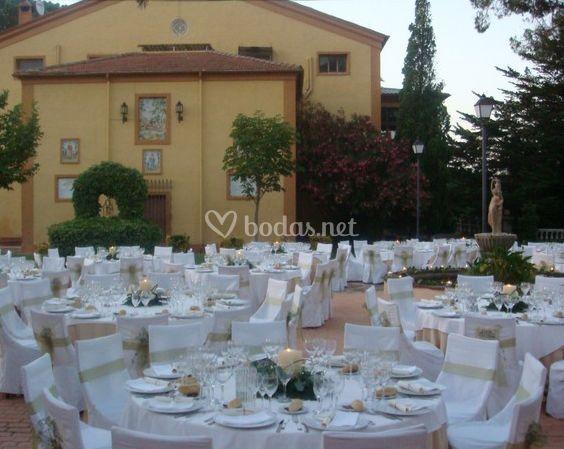 Banquete en el jardín