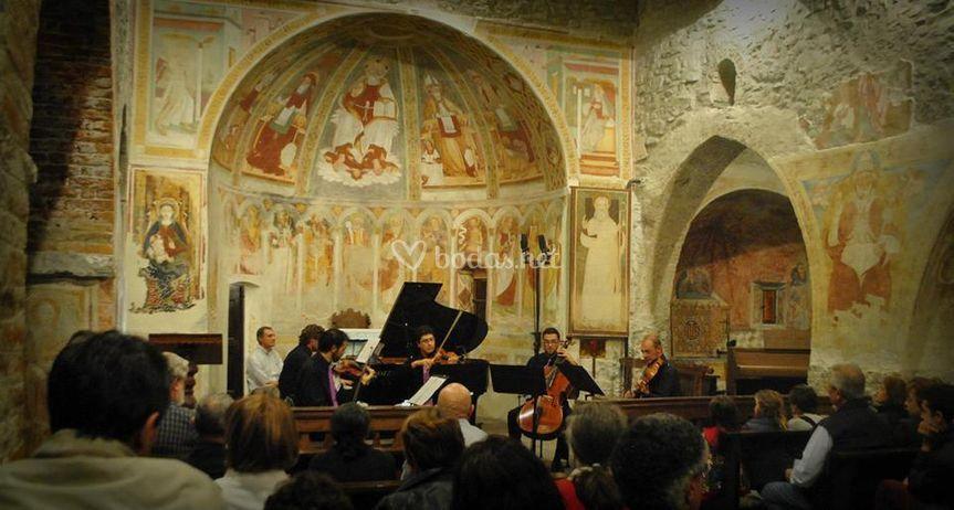 Actuación en una iglesia