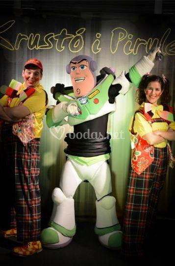 Con personajes de Disney