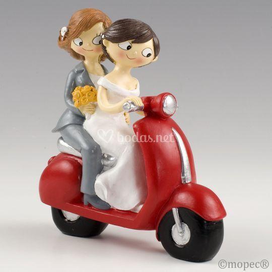 Figura tarda novias en moto