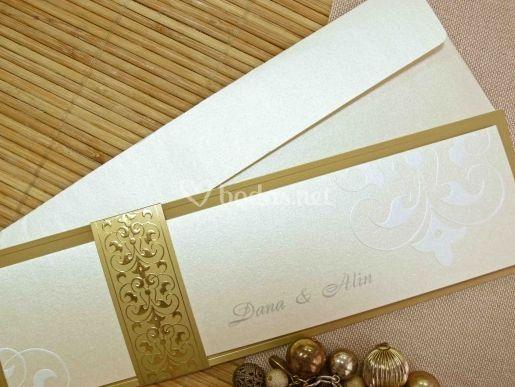 Invitación de boda cenefa en oro viejo