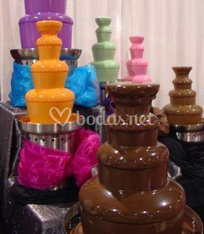 Fuentes de chocolate de colores