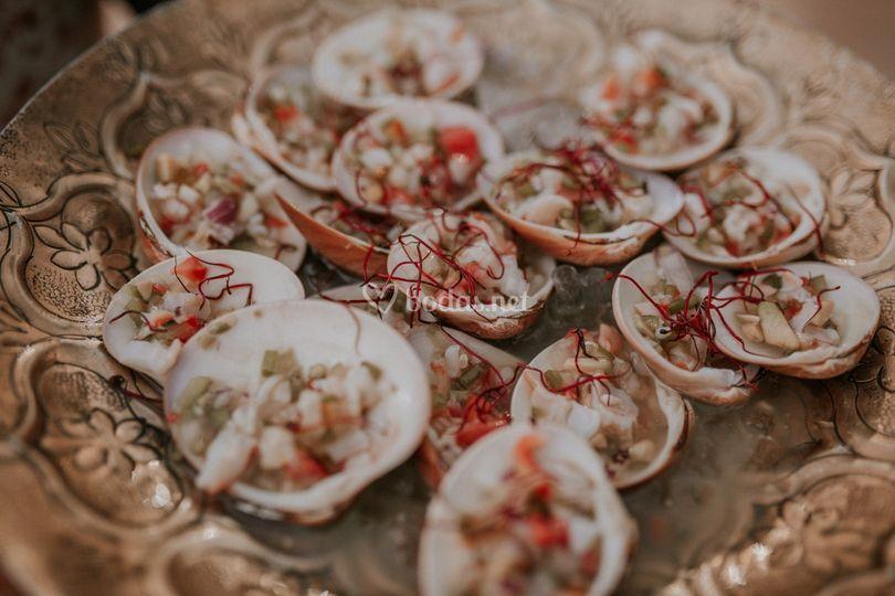 Aguachile de conchas finas