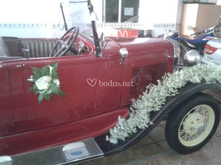 Coche de boda decorado