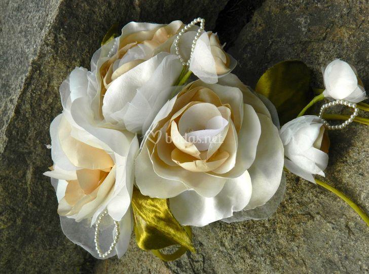 Ramo de flores de seda