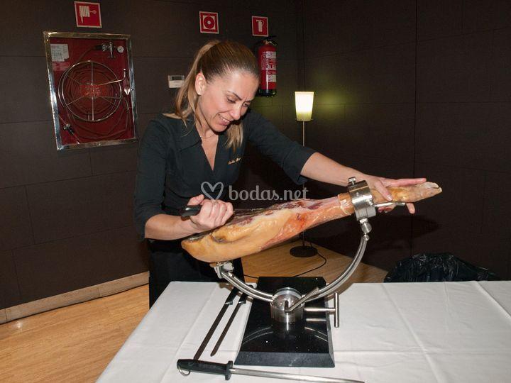 Ruth Martínez - Cortadora de jamón