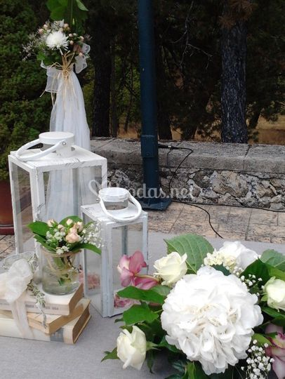 Detalles mesa altar del arco
