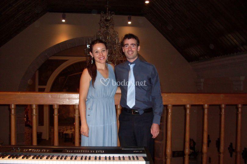 Cantante soprano y pianista