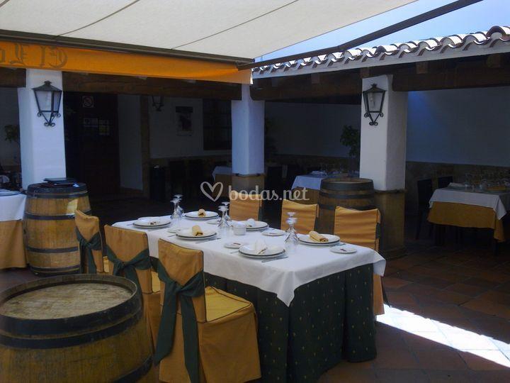 Comedor en terraza castellana