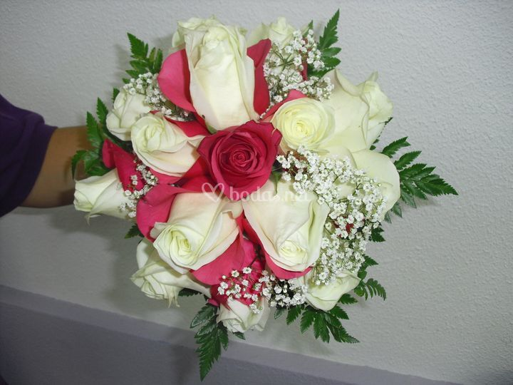 Bouquet de novia con rosas