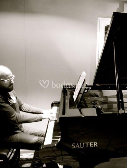 Manuel Álvarez (piano)