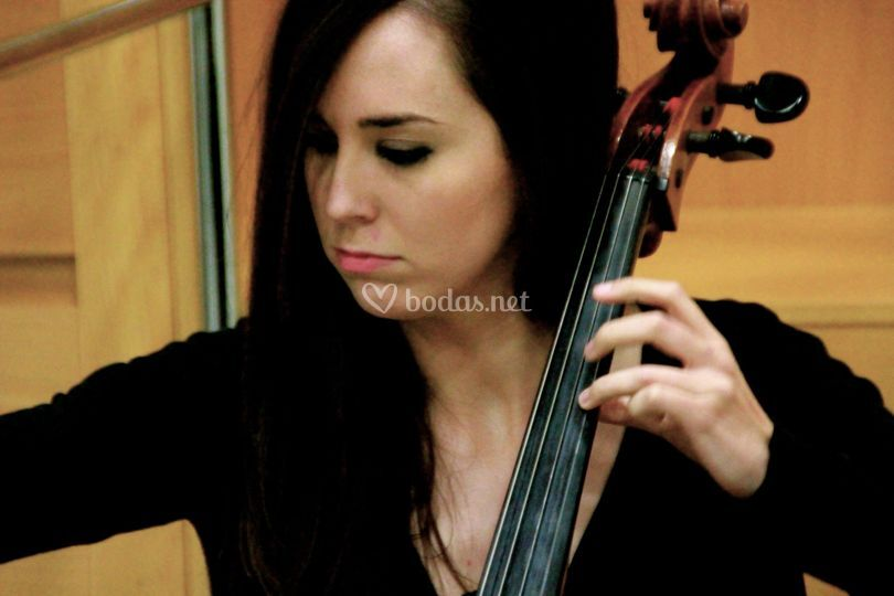 Clara Molina (Cello)