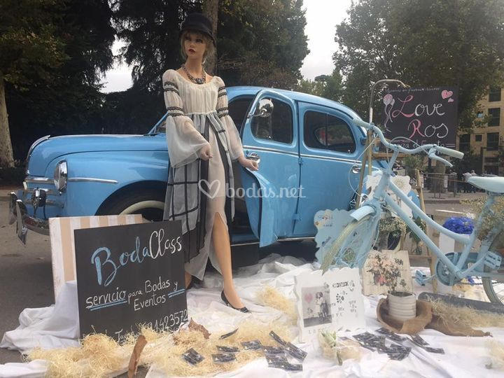 Renault 4/4 Exposion