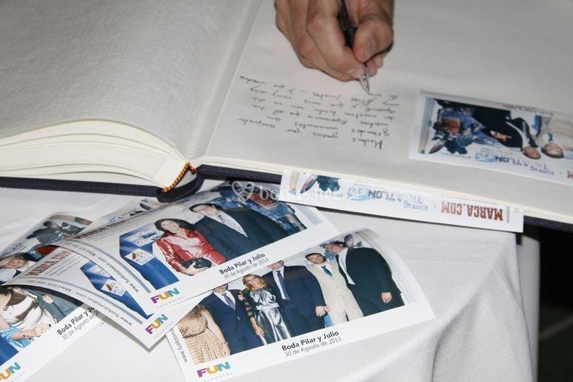 Firmando el álbum