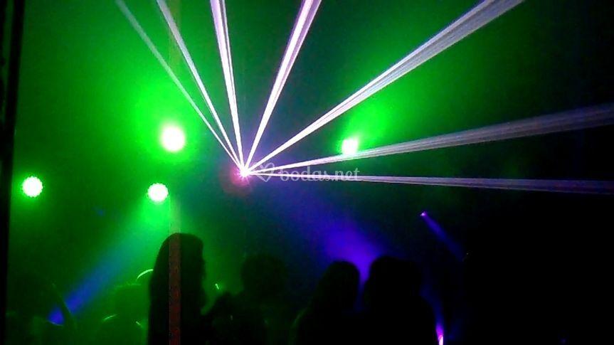 Fiesta con humo y laser