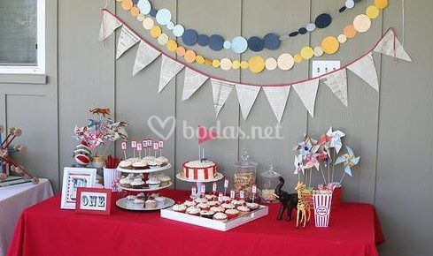 Mesas dulces decoradas de la nube de pandora fotos for Mesas de bodas decoradas