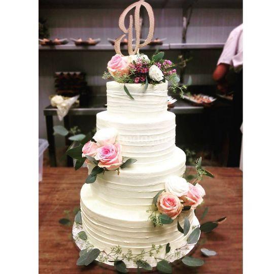Cake Crema y Flores