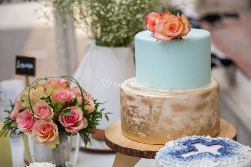 Cake Pan de Oro y Flores