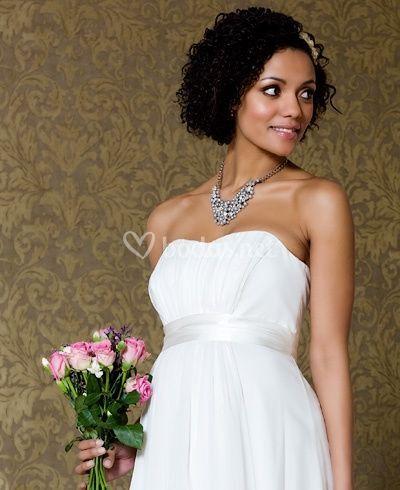 d386408fe30 Novia embarazada vestido corto. Palabra de honor premamá