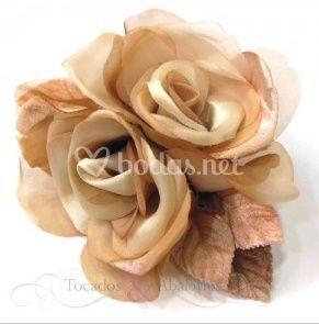 Flor doble terciopelo y seda