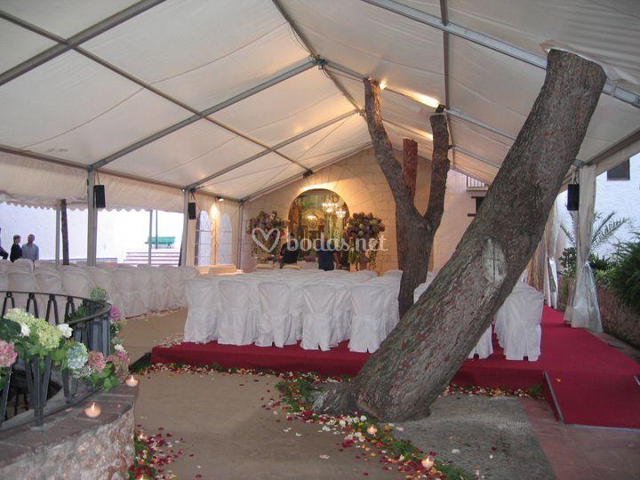 Carpa para ceremonia religiosa