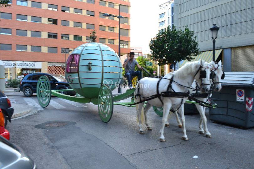 Carroza Cenicienta con caballo
