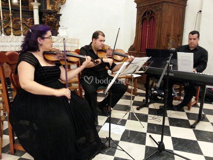 Trío de violín, viola y piano