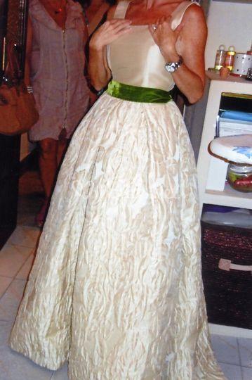 Vestido con falda estampada