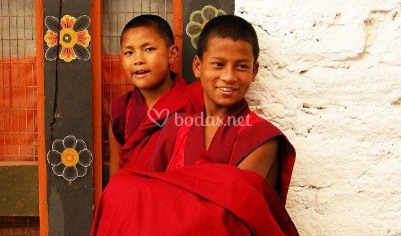 Monjes en Bhutan