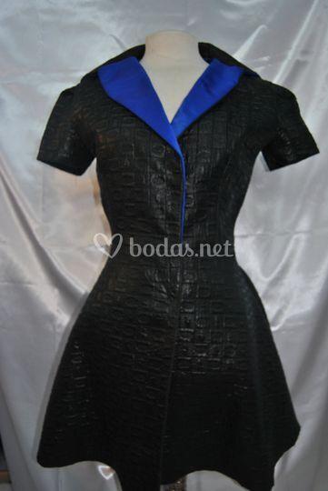 Modelo en negro
