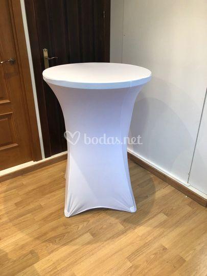 Mesas altas y complementos