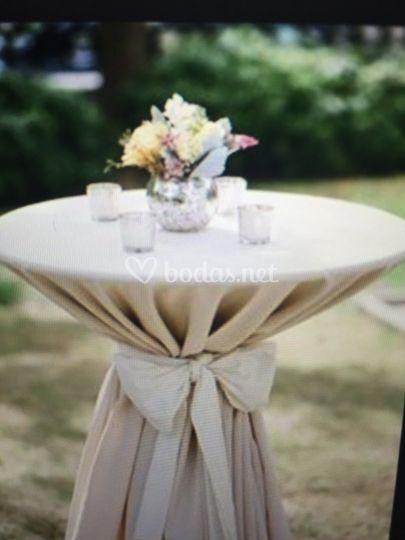 Mesa para cocktail