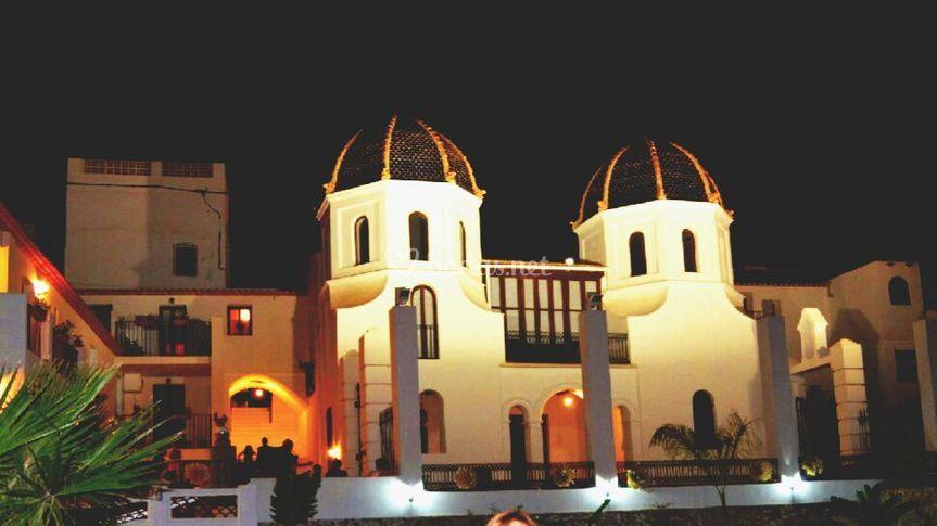 Edificio por la noche