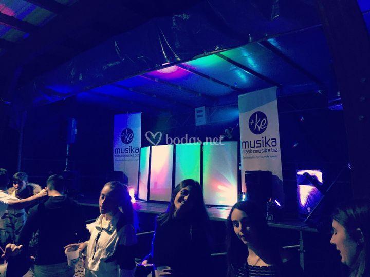 Discoteca en escenario