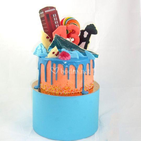 Messy drip cake