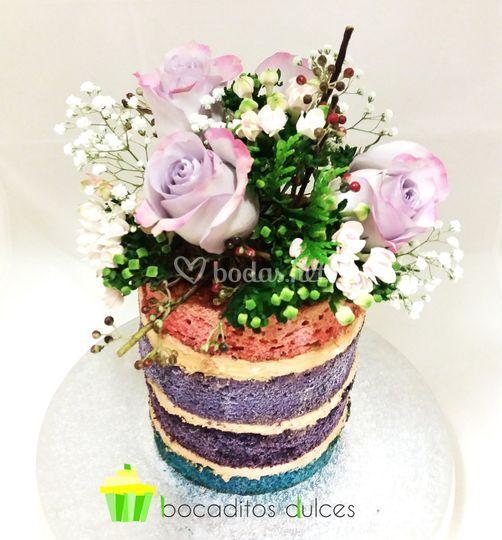 Tarta arcoiris flores
