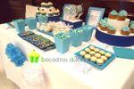 Mesa dulce en blancos y azules